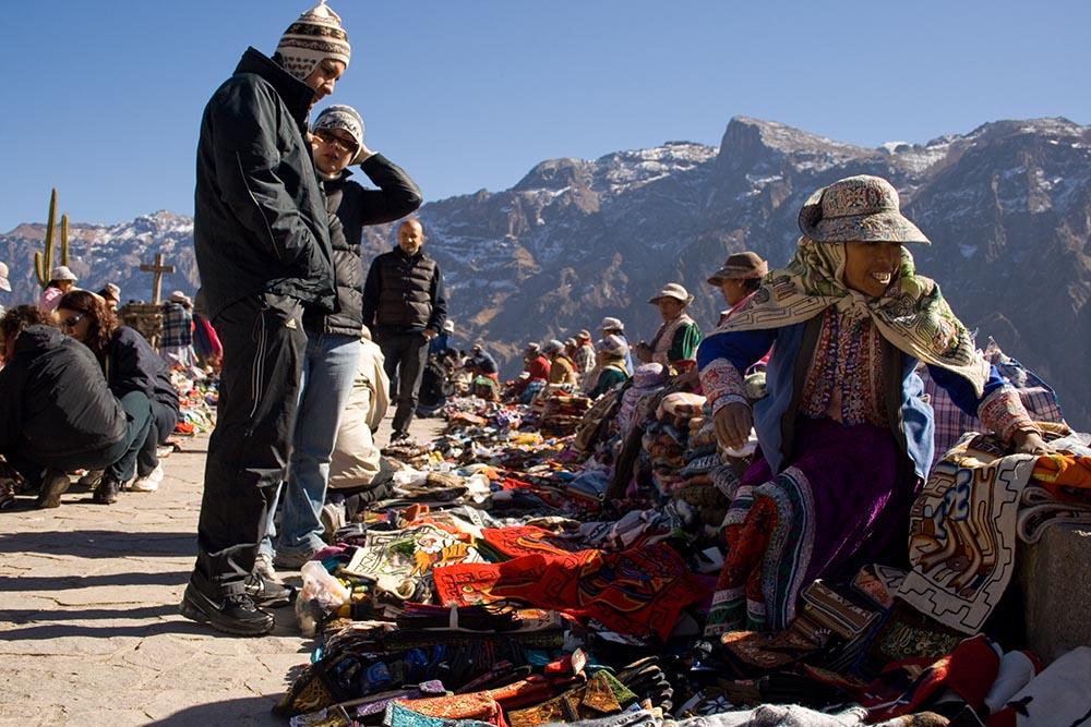 Touristes dans le canyon de Colca