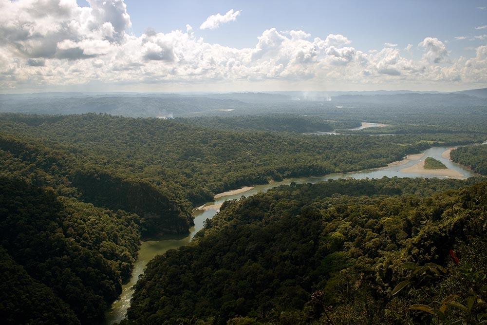 Sanctuaire Megantoni, et du rio Vilcanota, l'un des affluents importants de l'Amazone
