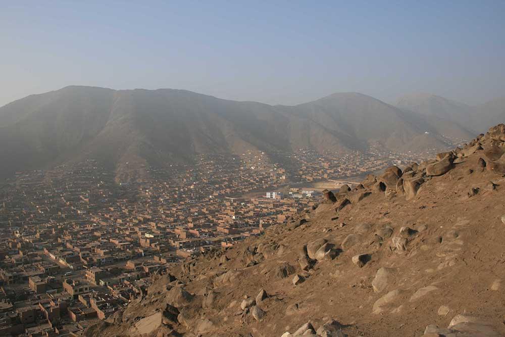 Les hauts de Comas, Collique, la pollution et la pauvreté