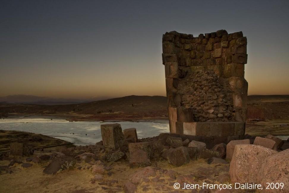 Au loin, le lac Umayo, à quelques kilomètres à l'ouest du lac Titicaca.