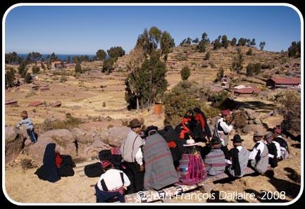 Cérémonie de mariage sur l'île de Taquile au lac Titicaca